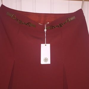 🚨🔥 Brand new Tory Burch skirt